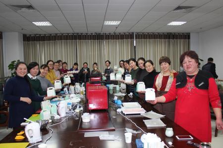 南阳市妇女儿童活动中心举行甜品DIY培训活动